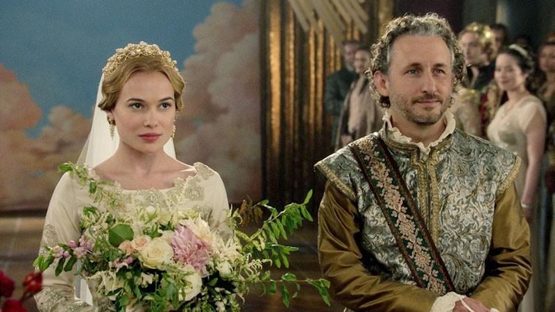 Сериальные невесты и их букеты. Часть 6.